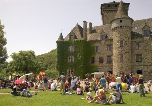 Pesteils, le château