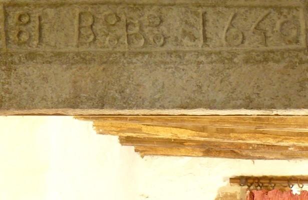 Maison du Lot actuellement très modeste de 1640